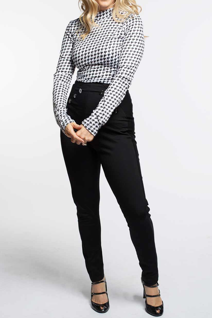 Chilly shirt; houndstooth pattern & high collar